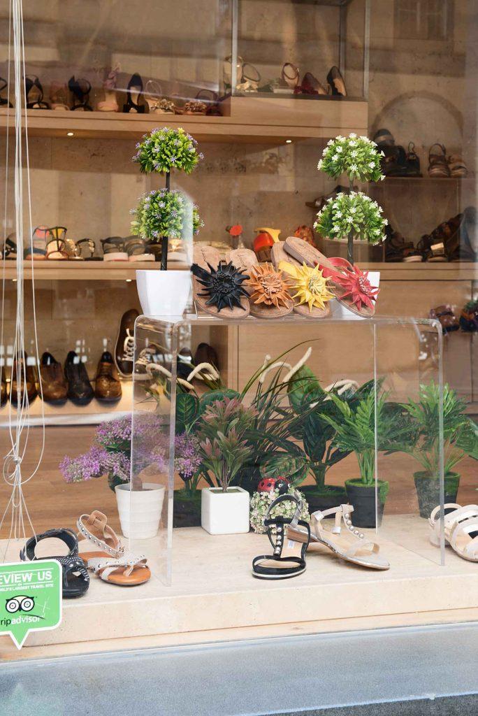 Goccia shoes window